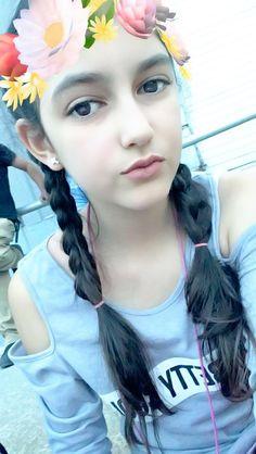 Cute Young Girl, Cute Girl Photo, Cute Girls, Teen Girl Poses, Cute Girl Poses, Beautiful Girl Makeup, Beautiful Girl Photo, Dehati Girl Photo, Girl Photo Poses