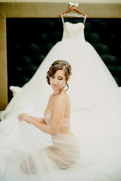 Adore this boudoir idea! See More: http://thebridaldetective.com/chic-sophistication-at-chicagos-blackstone-renaissance-hotel/