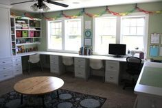 30 Modern Home Office Ideas and Designs for the Family home school room Family Office, Kids Office, Favorite Paint Colors, Kids Study, Built In Desk, Built Ins, Family Room Design, Learning Spaces, Space Crafts