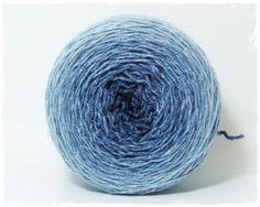 Mer bleue  couleur dégradé laine Merino extrafine/soie par Wollelfe