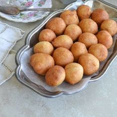 Puff-Puff Deep Fried Dough, popular West African street food, with step-by-step . - I Cook Different Beignets, Cameroon Food, West African Food, Nigerian Food, Ghanaian Food, Puff Recipe, Sausage Rolls, Caribbean Recipes, Food Staples