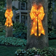 Lighted Yellow Ribbon & Bow  For the troops, best Xmas decor I've seen in a long time.  Actually you could use this anytime!