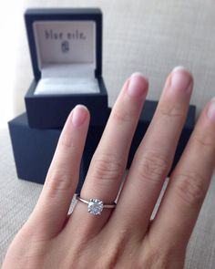 Lo amo fue el mejor regalo ... simplemente hermoso .../ Real customers. Real proposals. Real engagement rings and wedding bands from Blue Nile.