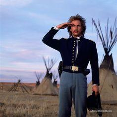 "Kevin Costner - ""Dance with Wolves"" - Costume designer : Elsa Zamparelli Badass Movie, Love Movie, Movie Tv, Movie Cars, Native American Movies, Native American Indians, Native Americans, Westerns, Old Hollywood Movies"