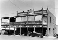 Foundry Hotel on Maritana St, Kalgoorlie in Western Australia in Lost Hotel, Old Churches, Amazing Pics, Western Australia, Old Photos, Photographs, Hotels, Black And White, History