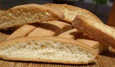 I biscotti all'anice, chiamati anche anicini, fanno parte della tradizione dei prodotti da forno siciliani. Quest'antica spezia di origini medi