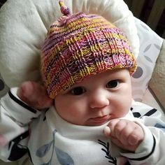 Ravelry: Super Stretchy Baby Hat pattern by Julie Tarsha Baby Hats Knitting, Knitting Yarn, Free Knitting, Knitted Hats, Crochet Hats, Bed Socks, Baby Hat Patterns, Fingering Yarn, Ravelry