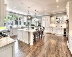 Awesome 50 Elegant Farmhouse Kitchen Decor Ideas https://roomadness.com/2017/12/15/50-elegant-farmhouse-kitchen-decor-ideas/