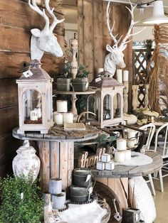 Gifts and Decor for your home! Antiques and Vintage inspired items and the latest trends to decorate. Fall Store Displays, Vintage Store Displays, Retail Displays, Vintage Display, Merchandising Displays, Vintage Decor, Booth Ideas, Display Ideas, Spool Tables