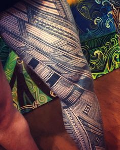 Samoan leg sleeve designed and tattooed by Michael Fatutoa. a little bit of the traditional setting on this one. like a warrior scheduled for 15 finished both in 10 days straight and a arm sleeve💪🏽💪🏽 Tattoo Maori Perna, Maori Tattoo Arm, Tribal Arm Tattoos, Leg Sleeve Tattoo, Leg Tattoo Men, Samoan Tattoo, Leg Tattoos, Tattoos For Guys, Hamsa Hand Tattoo