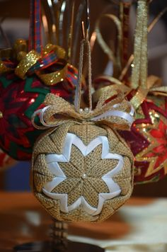 No Sew quilted ornament - Burlap