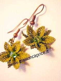 bellissimi orecchini in seta fatti a mano ad ago a forma di fiore, beautiful silk earrings hand made