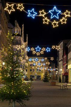 Weihnachtliche Dekoration in Pößneck, Thüringen.