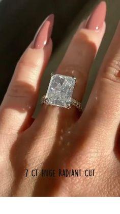 Cute Engagement Rings, Radiant Cut Engagement Rings, Big Wedding Rings, Dream Wedding, Pretty Rings, Dream Ring, Huge Diamond Rings, Dimonds, Bling Bling