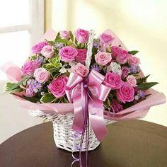 핑크 Flower Basket, Flower Boxes, Love Flowers, Fresh Flowers, Flora Botanica, Cemetery Flowers, Floral Bouquets, Beautiful Roses, Happy Mothers Day