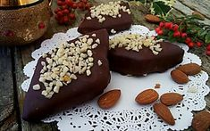 Mostaccioli mandorlati ricetta natalizia