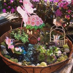 garden ideas enchanted forest The formal garden style is inseparable f… - Modern Enchanted Forest Prom, Enchanted Forest Decorations, Enchanted Garden, Indoor Fairy Gardens, Miniature Fairy Gardens, Roof Gardens, Fairy Garden Cake, Forest Garden, Forest Fairy