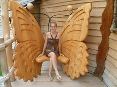 There's one at Magic Butterfly Wings Conservatory in Deerfield, MAButterfly bench for your porch.Wouldn't you love to have this wooden butterfly chair?Carved butterfly chair- now this is adorable!Stupendous Useful Tips: Woodworking Chair Summer wood Cool Woodworking Projects, Woodworking Bench, Wood Projects, Woodworking Organization, Woodworking Quotes, Intarsia Woodworking, Fine Woodworking, Wood Butterfly, Butterfly Chair