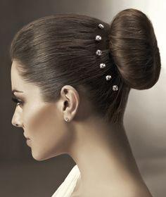 La sencillez se hace brillante para que nuestro cabello resalte a cada paso