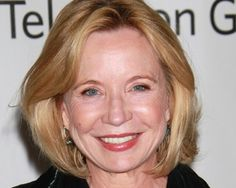Debra Jo Rupp (That 70's Show) is coming to Hart of Dixie as Wanda's gin-loving mom who comes to Bluebell for a visit. Unfortunately, she becomes such a handful, her daughter pawns her off on poor Zoe.