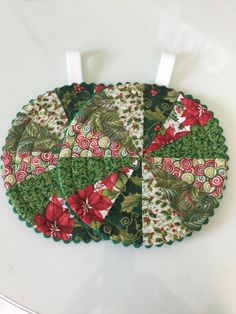 Holiday Christmas Quilted Trivet Hot Pad Pot by countrysewing4U