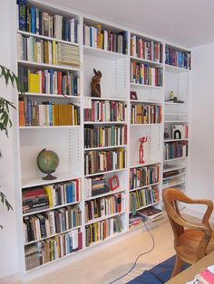 Modern Built-In Bookshelves. | Flickr - Photo Sharing!