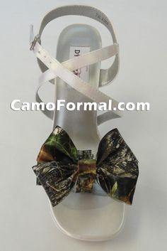 Camo Heels for Prom Pink Camo Wedding, Wedding Shoes, Dream Wedding, Wedding Rings, Wedding Dresses, High Heels For Prom, Prom Shoes, Camo Homecoming Dresses, Camo Heels