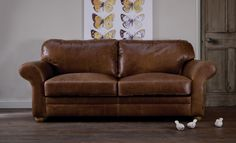 5 steps to your Indigo living space. 1. THE SOFA. Defined by classic style lines and tactile leather. SHOP The Curved Arm Leather Sofa here» http://www.indigofurniture.co.uk/the-curved-arm-leather-sofa?utm_source=social&utm_campaign=wintersale&utm_medium=photo #sofa #leathersofa #furniture #home #indigofurniture #livingroom #lounge #settee #leather #interiordesign #sofas #seating #livingroomfurniture #homedecor