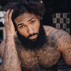 Sharing photos of black men to combat the erasure in the beard movement. Fine Black Men, Gorgeous Black Men, Handsome Black Men, Fine Men, Beautiful Men, Handsome Guys, Black Men Tattoos, Black Men Beards, Black Men Hairstyles