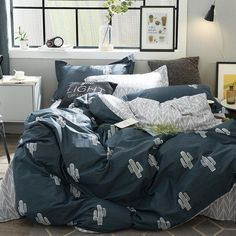 Pattern Type: Cartoon Application Size: 1.2m (4 feet),1.5m (5 feet),1.35m (4.5 feet),1.8m (6 feet) Filling: None Use: Home Type: Sheet, Pillowcase & Duvet Cover Sets Material: 100% Cotton Pattern: Printed Grade: Grade A Fabric Count: 40 Style: Cartoon Quantity: 4 pcs Weight: 2.5 kg Technics: Reactive Printing is_customized: Yes Fabric Density: 130 * 70 Color Fastness (Grade): National Standards Model Number: 90004-000-101 Thread Count: 500TC