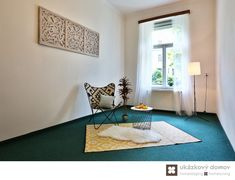 Home Staging nezařízeného bytu v Prahze #Praha #Prague #czech #homestaging #pred #po #before #after #white #walls #apartment #romantic #livingroom #cz #czechrepublic #leisure #yellow #carpet #antique #Vinohrady #ukazkovydomov