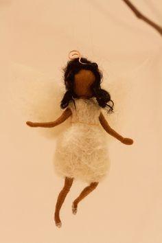 Weihnachten - OYA-Kunst - Nadide Ruthammer Needle Felting, Arts And Crafts, Felt Fairy, Faeries, Felting, Christmas, Angel, Kunst, Art And Craft