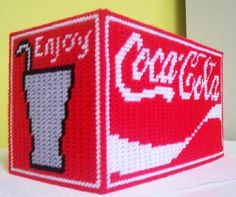 Plastic Canvas Bear Free Patterens | COCA COLA FAMILY SIZE TISSUE COVER
