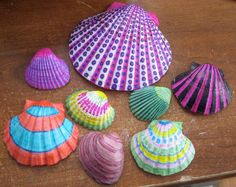 using sharpies to decorate shells. Mermaid party activity