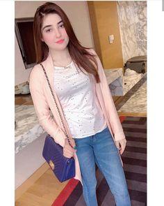 Beautiful Girl Body, Beautiful Blonde Girl, Beautiful Eyes, Pakistani Girl, Pakistani Outfits, Cute Girl Photo, Beautiful Girl Image, Cool Girl Pictures, Girl Photos