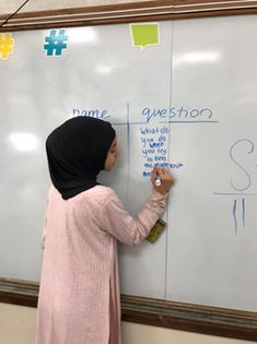 "​Many teachers attempt small group instruction, only to be interrupted by the ""independent"" workers with questions. A grade teacher in Dearborn, MI uses an easy idea to promote peers as a. Co Teaching, Teaching Ideas, Inclusive Education, 5th Grade Teachers, Math Groups, 5th Grades, Literacy, This Or That Questions, Digital"