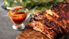 Instant Pork Spicy Pork Ribs - This is a delicious, spicy and easy recipe with spicy tomato sauce livening up plain pork ribs. Best Bbq Ribs, Barbecue Ribs, Sauce Recipes, Pork Recipes, Cooking Recipes, Mojo Criollo, Ribs Seasoning, Homemade Barbecue Sauce, Le Curry