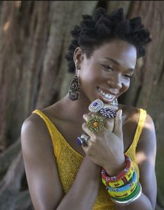 India Arie is one of my favorite naturalistas! She motivated me to not worry about my hair. I am not my hair. Kinky Curly Hair, Curly Hair Styles, Beautiful Black Women, Beautiful People, Beautiful Ladies, Amazing Women, India Arie, India India, Average Girl