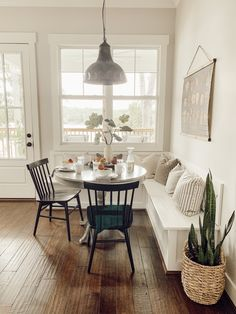 Home Decoration Living Room .Home Decoration Living Room Küchen Design, House Design, Interior Design, Chair Design, Interior Ideas, Design Ideas, Style At Home, Dining Nook, Kitchen Banquette