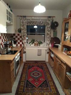 Küche Kitchen Cabinets, Home Decor, Decoration Home, Room Decor, Cabinets, Home Interior Design, Dressers, Home Decoration, Kitchen Cupboards