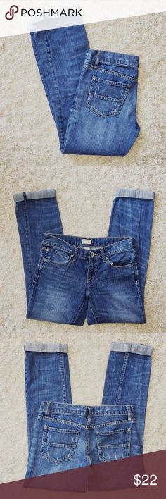 GAP Slim Boyfriend Jeans Size 4 / 27R. 100% cotton. Light wash. GAP Jeans Boyfriend