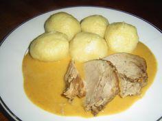 """Vepřová na smetaně a vídeňský bramborový """"knedlik"""", recept. • Co že to jedli u Krausů na Hod boží? •Jak připravit vepřovou pečeni na smetaně? •Byl to"""