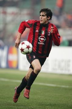 Kakà! Should have stayed at Milan....... Such a graceful player and humble too.