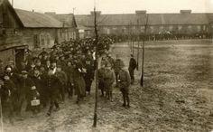 Eerste Wereldoorlog. Nederland, 1918. Afscheid / vertrek Engelse geïnterneerden uit kamp De Vlasakkers bij Amersfoort. Nederland, Amersfoort...