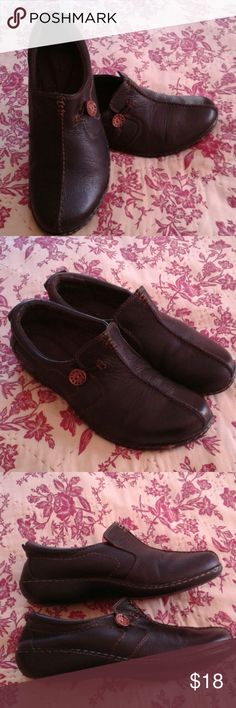 Clarks sz 9 Good used condition.  Soft and comfy leather. Dark brown. Clarks Shoes