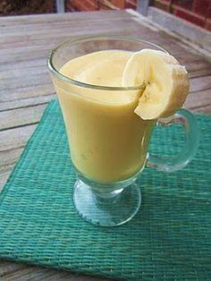 Mango banana smoothie with coconut milk (dairy free, gluten free)
