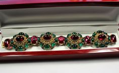 Trifari /Hattie Carnegie  unsigned Jewels of India  Chunky  Jelly Belly Cabochon Bracelet