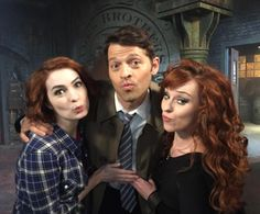 Just us girls on set today! @feliciaday @ruthieconnell #gingersandwich