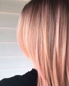 Enjoy this short video clip of the babiest, softest, most adorable pastel pink hair you've ever seen. Enjoy this short video clip of the babiest, softest, most adorable pastel pink hair you've ever seen. Blond Rose, Rose Gold Hair Blonde, Long Blonde Curly Hair, White Hair, Short Hair, Blonde Hair With Highlights, Balayage Hair Blonde, Ash Blonde, Rose Gold Highlights