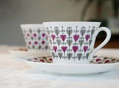 Hjärta, Rörstrand I have one of these cups and would love more. Second fav china pattern Ceramic Tableware, Ceramic Cups, Porcelain Ceramics, Ceramic Art, Kitchenware, Painted Mugs, China Patterns, Dream Decor, Vintage China